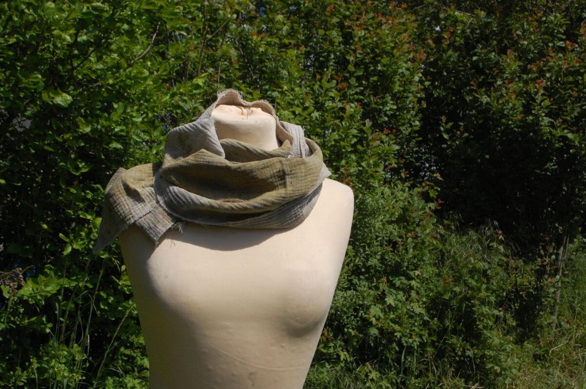 Organic Pflanzengefärbter Schal